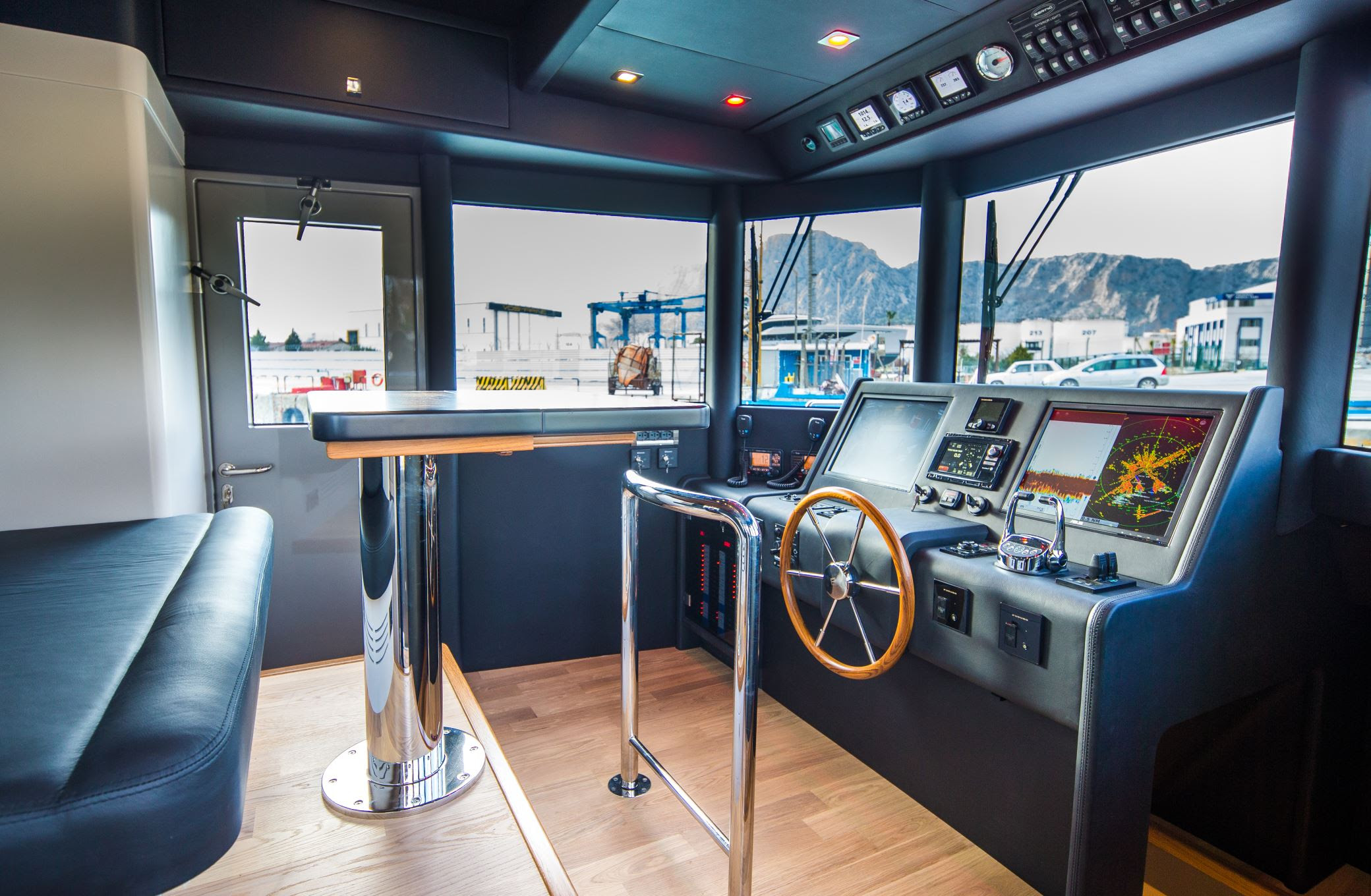 BERING 70 is available for immediate sale ! -